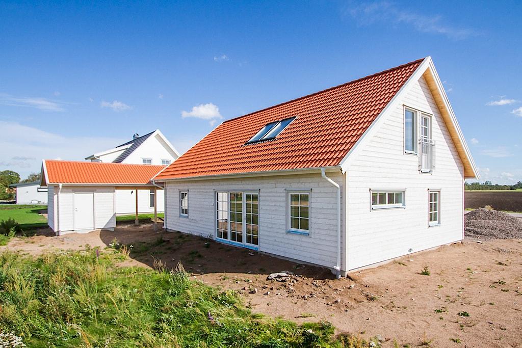 villa-trivsam-visningshus-tronninge-3-1024px